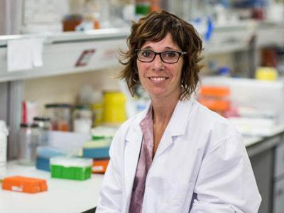 """Elena Gómez-Díaz: """"La cooperación con investigadores africanos es fundamental para erradicar la malaria"""""""